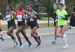 2012 Chicago Marathon - Winner Atsede Baysa (in red) leading the women's pack