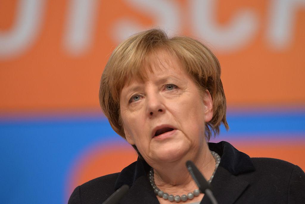 Merkel betont Notwendigkeit des Nato-Ausbaus