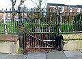 2016 Woolwich, Woolwich New Rd, old fencing 02.jpg