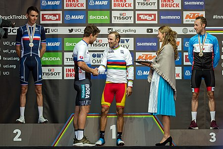 20180930 UCI Road World Championships Innsbruck Men Elite Road Race Award Ceremony 850 2118.jpg