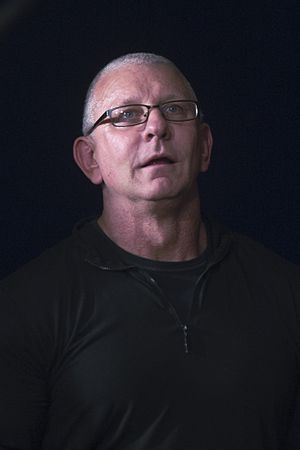 Robert Irvine - Image: 25 Dec. 2016 CJCS USO Holiday Tour PT. 2 161225 D PB383 094 (31529107450)