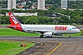 A320 LATAM SBPA (32546396614).jpg