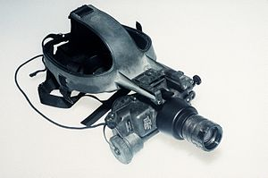 AN/PVS-7 - Image: AN PVS 7 Cyclops