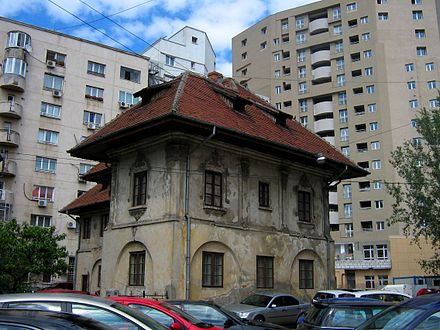 A  Bucuresti street scene  j