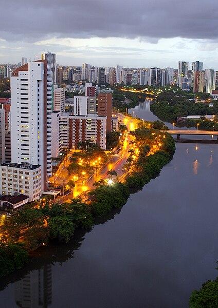 Ficheiro:A Cidade e o Rio.jpg