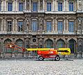 A cherry picker, Cour Carrée, Palais du Louvre.jpg