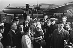 Aankomst Reydon en de Jager uit Rusland op Schiphol. De aankomst, Bestanddeelnr 915-8101.jpg