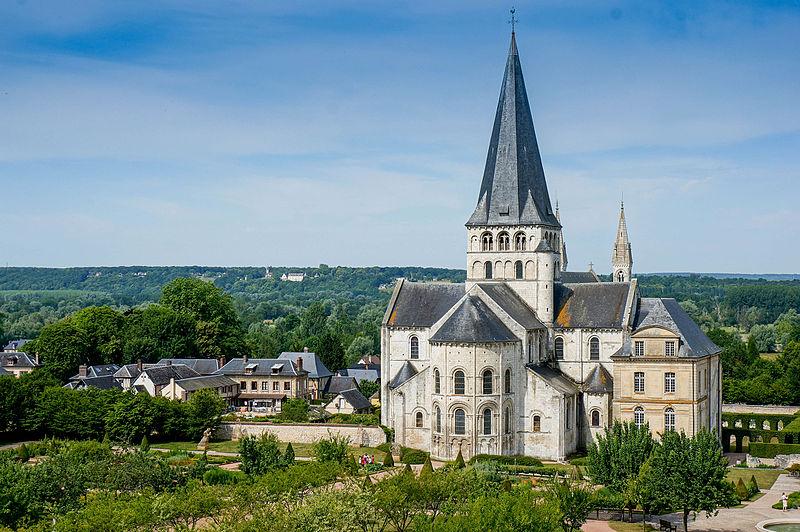 File:Abbaye Saint Georges de Boscherville.jpg