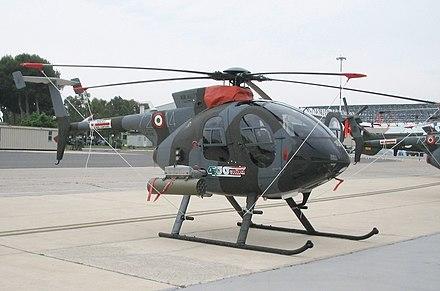 TH-500B sulla piazzola nei pressi dell'hangar del 15º Stormo a Pratica di Mare.