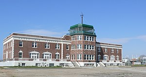 Airport tower Floyd Bennett Field 02.JPG