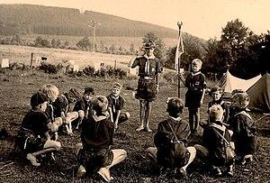 Grand Howl - A Grand Howl by German Cubs of the Bund Deutscher Pfadfinderinnen in 1950