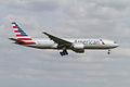 American Airlines Boeing 777-200(ER) N781AN Photo 294 (13836950284).jpg