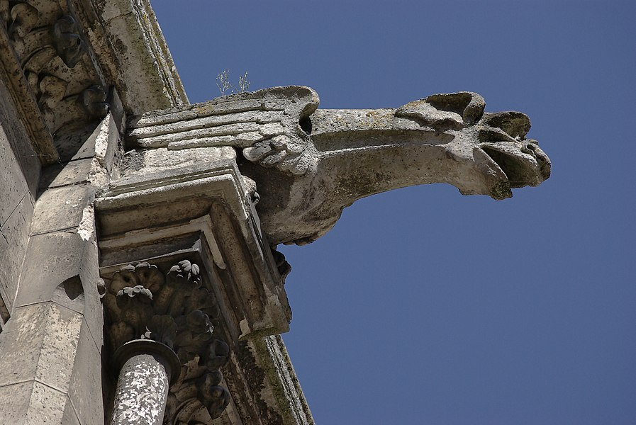 Gargoyle (XIXth century), town hall courtyard, Angoulême, France. The town hall was built by Paul Abadie, from 1856 to 1868)