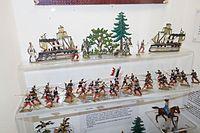 Antique toy soldiers in battle (26437148962).jpg