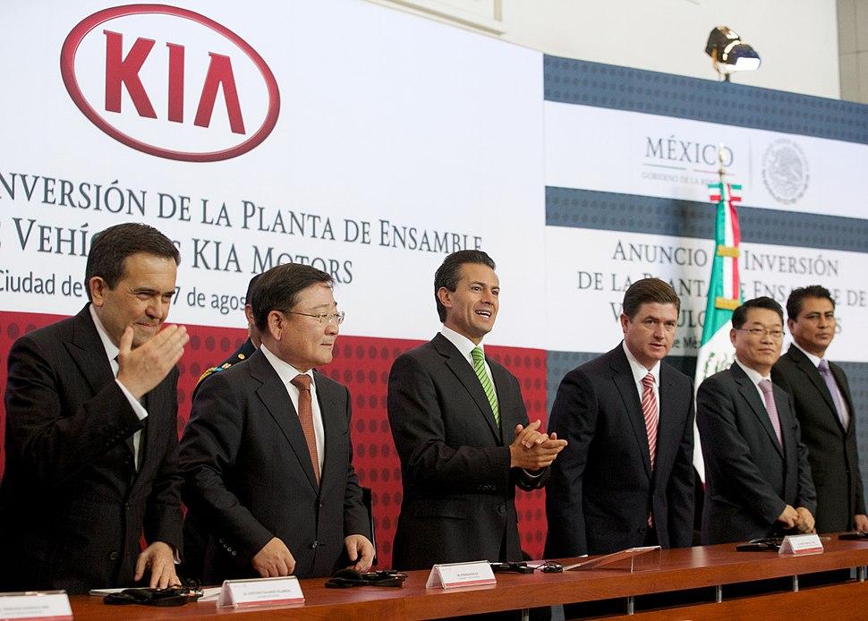 Anuncio de inversión de la Planta de Ensamble de Vehículos Kia Motors. - 14871405557