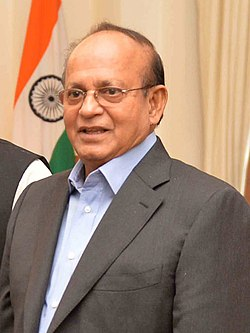Anwar Hossain Manju at Rashtrapati Bhavan in New Delhi.jpg