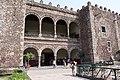 Arcos en el Palacio de Cortés - panoramio.jpg
