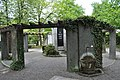 Auerbach, Gefallenen-Ehrenmal, In Treue und Leid und Brunnen.JPG
