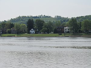 Augusta, Kentucky - Houses along the Ohio River in Augusta
