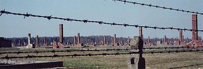 UNESCO világörökség része – romok Birkenauban 2002.