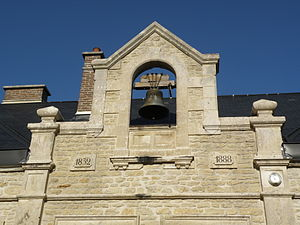 Avirey-Lingey - The bell on the Town Hall