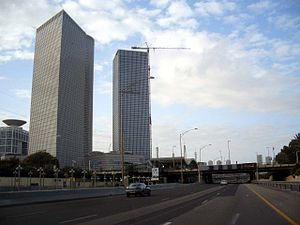Tel Aviv HaShalom railway station - View from Ayalon Highway