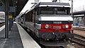 BB 15028 en tête d'une TER 2N à Amiens.JPG