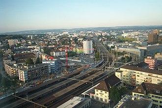 Zürich Oerlikon railway station - Image: Bahnhof Zurich Oerlikon 2011 541