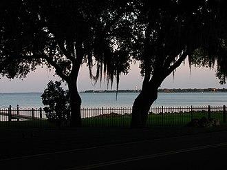 Ballast Point (Tampa) - Ballast Point Neighborhood Overlooking Hillsborough Bay