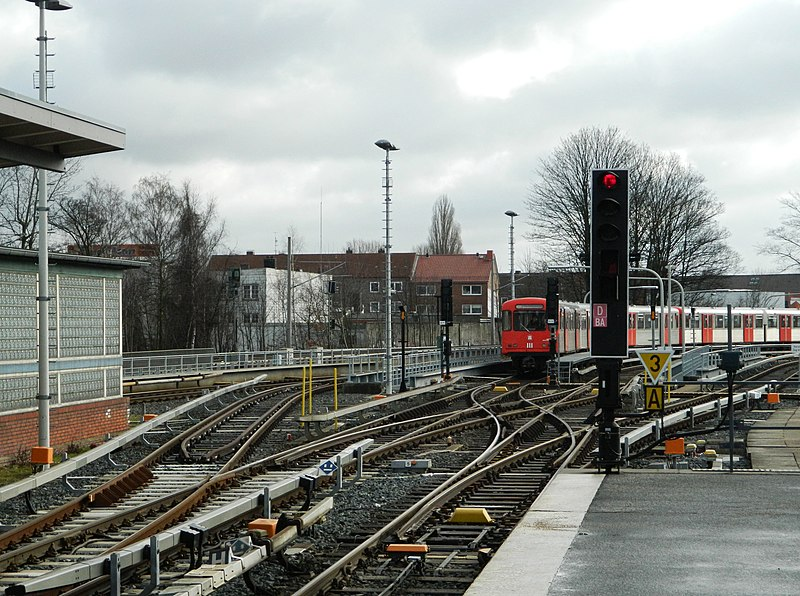 File:Barmbek-Nord, Hamburg, Germany - panoramio (21).jpg
