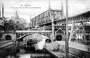Prussian T 3 - A T 3 crosses the Landwehr Canal in Berlin with a passenger train (ca. 1900).