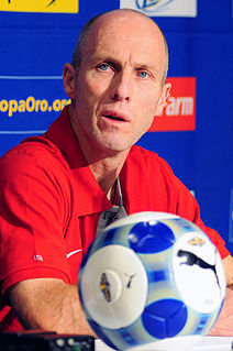 Bob Bradley American association football player and manager