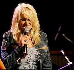Bonnie Tyler live.