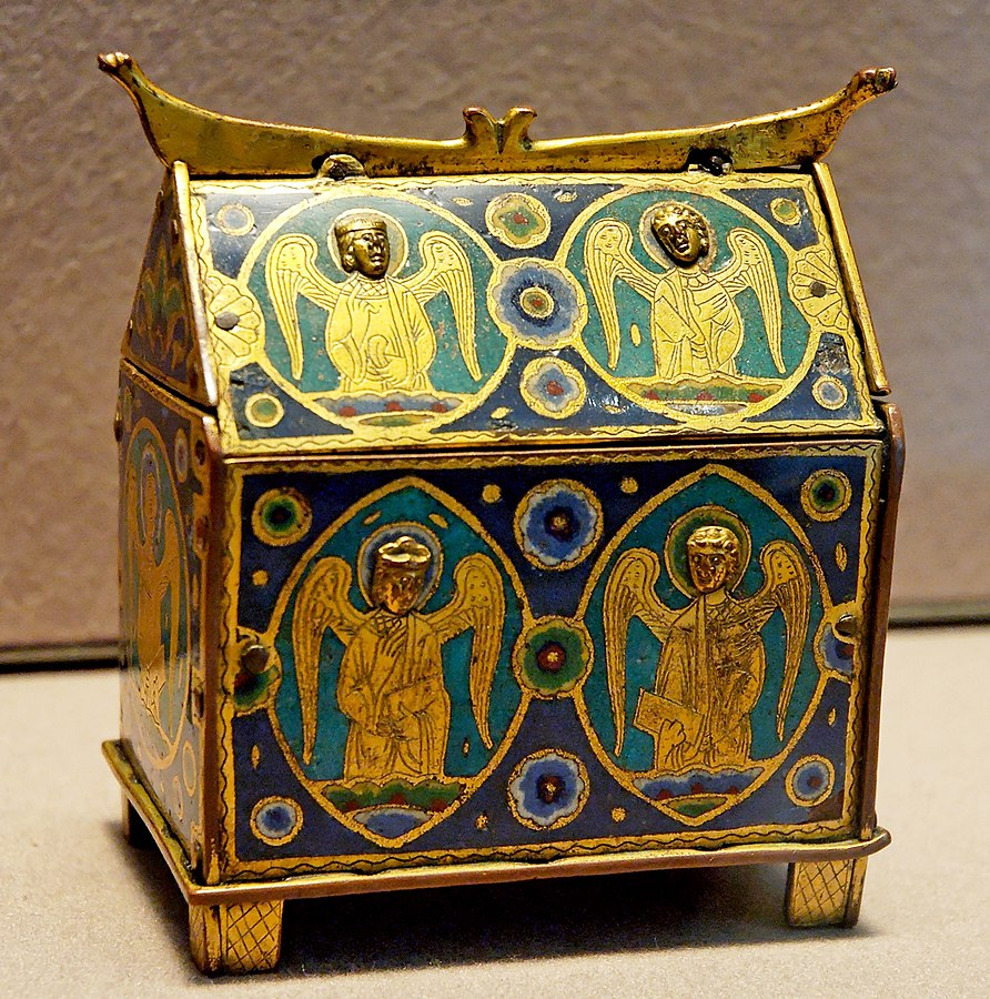 Box with angels, intended to contain small bottles of holy oils