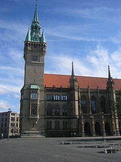 http://upload.wikimedia.org/wikipedia/commons/thumb/a/ae/Braunschweig-Rathaus.jpg/240px-Braunschweig-Rathaus.jpg