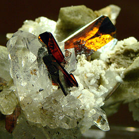 Brookite sur quartz, Pakistan