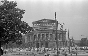 Alte Oper - Ruins of the Alte Oper in 1958