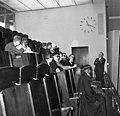 Bundesarchiv B 145 Bild-F012907-0001, Bonn, geistliche Würdenträger im Bundestag.jpg