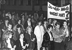 Bundesarchiv Bild 183-1989-1026-031, Erfurt, Demonstration.jpg