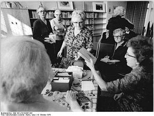 Bundesarchiv Bild 183-J1014-0007-001, Berlin, ...