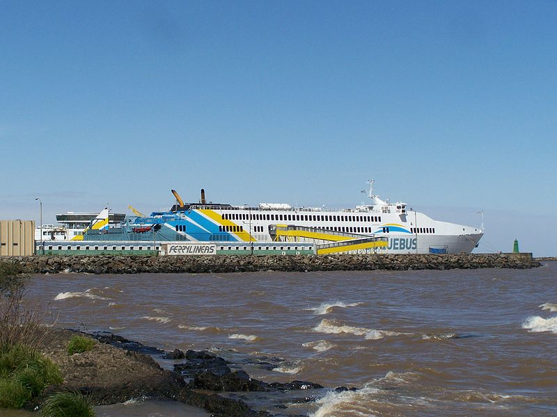 How to get from Uruguay to Argentina by Boat