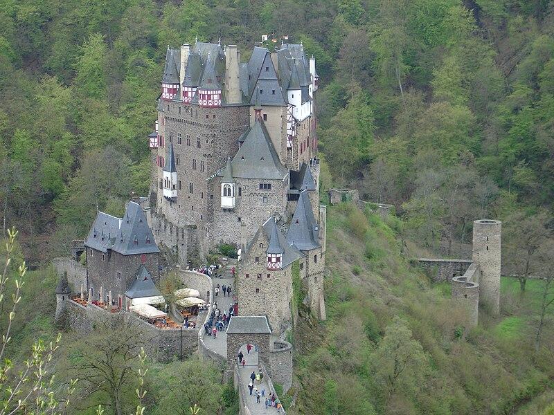 File:Burg Eltz 5.JPG
