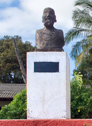 Kings of Easter Island - Busts of Atamu Tekena in Hanga Roa
