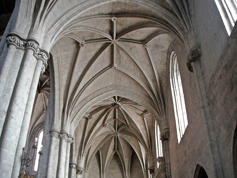 Cúpulas de la Iglesia del monasterio de San Benito el Real.jpg