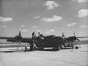 C-87 Liberator Express en cours de maintenance en octobre 1942