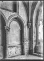 CH-NB - Romainmôtier, Abbatiale, Porche, vue partielle intérieure - Collection Max van Berchem - EAD-7493.tif