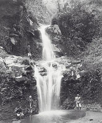 Tosari - Image: COLLECTIE TROPENMUSEUM Het Nimfenbad een waterval bij Tosari T Mnr 60039077