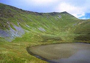 Berwyn range - Cadair Berwyn, with Llyn Lluncaws in the foreground