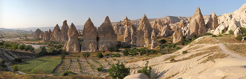 File:Cappadocia Chimneys Wikimedia Commons.jpg