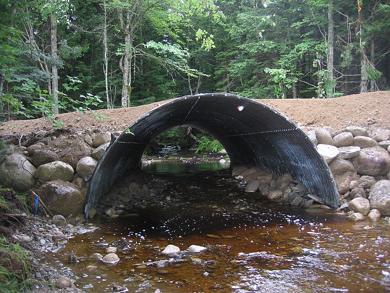File:Carloe Brook Open Arch Culvert. Clifford Lake Road - panoramio.jpg